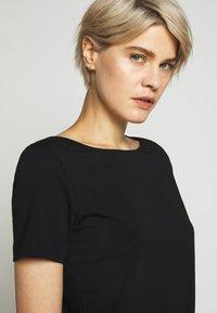 WEEKEND MaxMara - MULTIC - T-Shirt basic - schwarz - 3