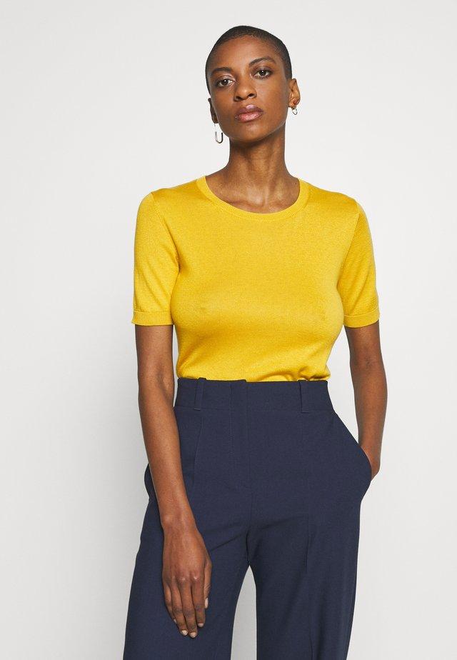 VOLTO - T-shirts med print - gelb