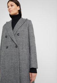 WEEKEND MaxMara - PORFIDO - Zimní kabát - schwarz - 5