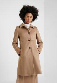 WEEKEND MaxMara - NUORO - Zimní kabát - camel - 0