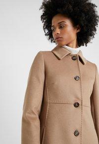 WEEKEND MaxMara - NUORO - Zimní kabát - camel - 4