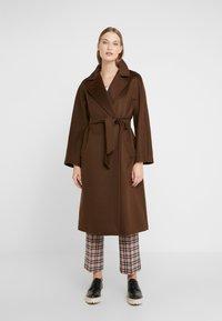 WEEKEND MaxMara - OTTANTA - Classic coat - taback - 0