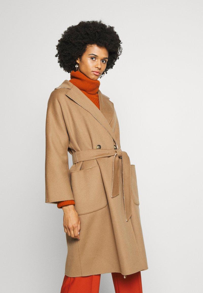WEEKEND MaxMara - BALTA - Classic coat - erde