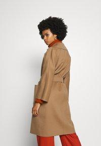 WEEKEND MaxMara - BALTA - Classic coat - erde - 2