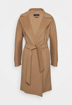 TANGA - Zimní kabát - kamel