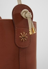 WEEKEND MaxMara - ORO - Handbag - taback - 7