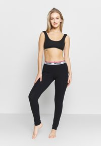Moschino Underwear - LEGGINGS - Pantaloni del pigiama - black - 1