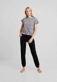 Moschino Underwear - SHORT SLEEVE - Maglia del pigiama - medium gray melange - 1
