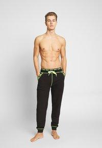 Moschino Underwear - PANTALONE - Pyžamový spodní díl - nero - 1