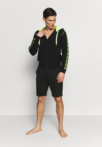 Moschino Underwear - FELPA - Pyžamový top - nero - 1