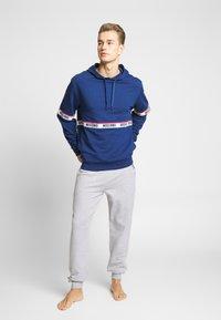 Moschino Underwear - FELPA - Pyžamový top - blu - 1