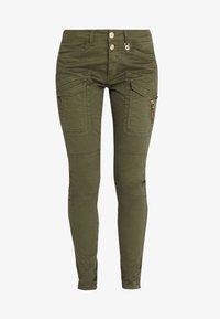 Mos Mosh - HURLEY DECO CARGO PANT - Spodnie materiałowe - army - 7