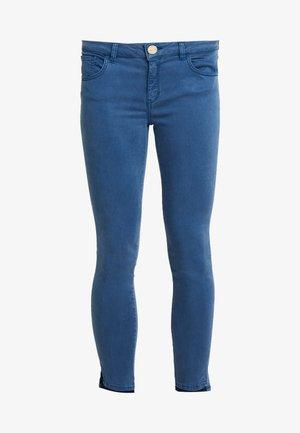 SUMNER AIR STEP PANT - Trousers - dark blue