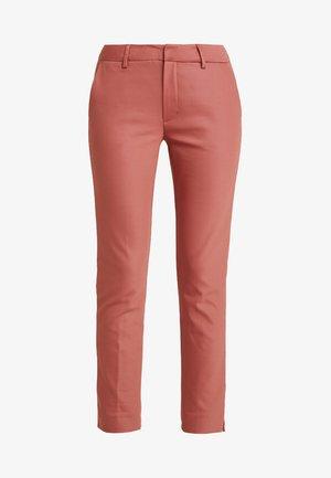 ABBEY GRANDE PANT - Pantalones - marsala