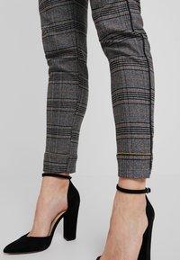 Mos Mosh - LEVON MILANO PANT - Kalhoty - black - 4