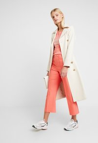 Mos Mosh - NIGHT PANT SUSTAINABLE - Trousers - sugar coral - 2
