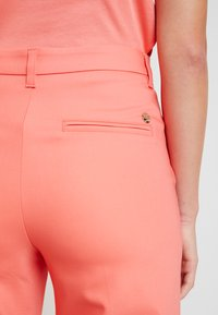 Mos Mosh - NIGHT PANT SUSTAINABLE - Trousers - sugar coral - 6