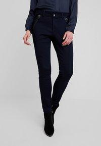 Mos Mosh - MILTON TUCK PANT - Kalhoty - dark blue - 0