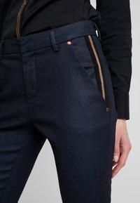 Mos Mosh - BLAKE GALLERY PANT - Skinny džíny - dark blue - 3