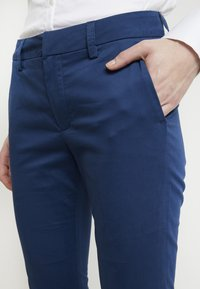 Mos Mosh - ABBEY COLE PANT - Tygbyxor - dark blue - 6