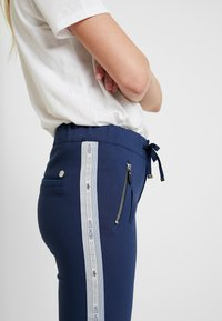 Mos Mosh - LEVON - Spodnie materiałowe - dark blue - 4