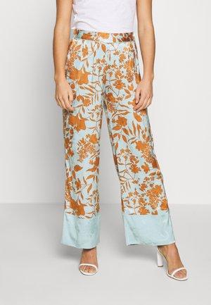RITA STENCIL PANT - Pantalon classique - mint haze