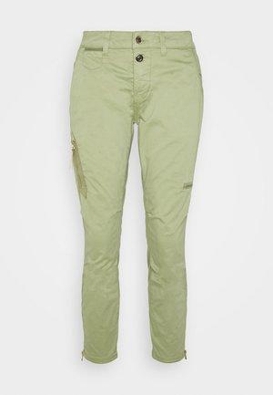VALERINE KATY - Trousers - oil green