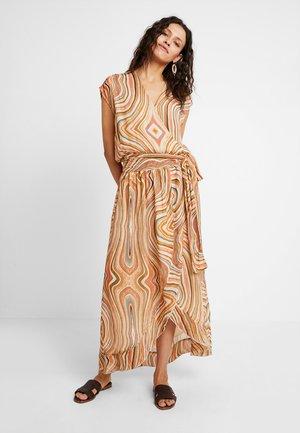ALEXA SWIRL DRESS - Maxikjoler - sun orange