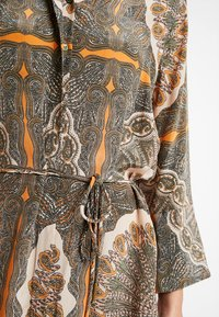 Mos Mosh - ELAINE SCARF DRESS - Skjortekjole - apricot - 5