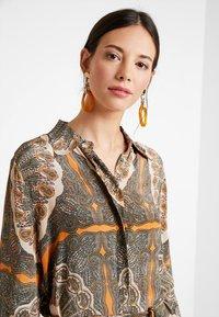 Mos Mosh - ELAINE SCARF DRESS - Skjortekjole - apricot - 3