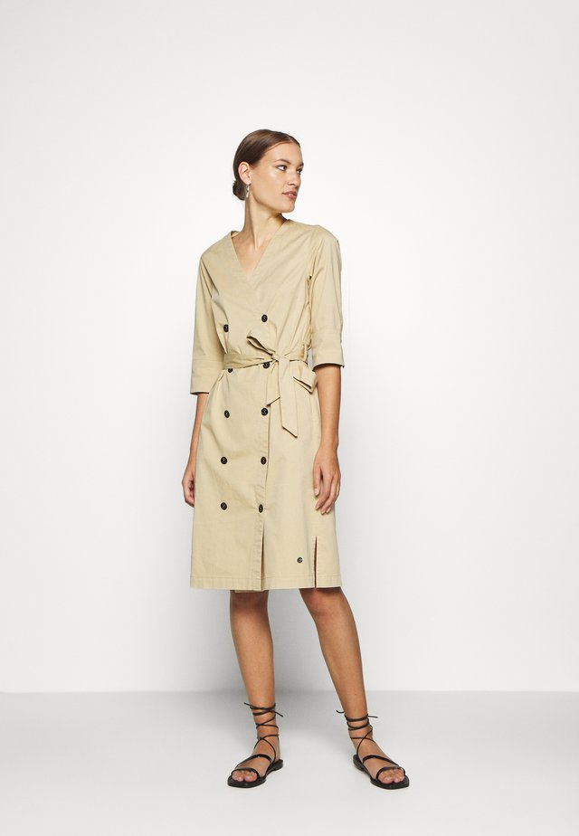 VINNIE COLE DRESS - Korte jurk - safari