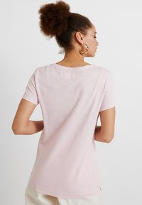 Mos Mosh - ARDEN V NECK TEE - T-shirts basic - soft rose - 2