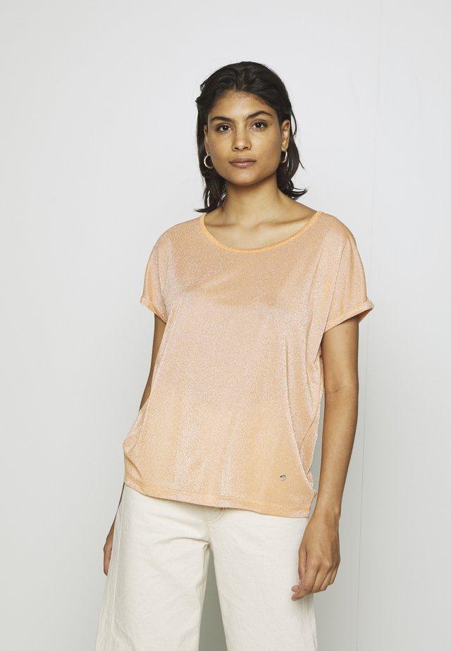 KAY TEE - T-shirt print - peach cobbler