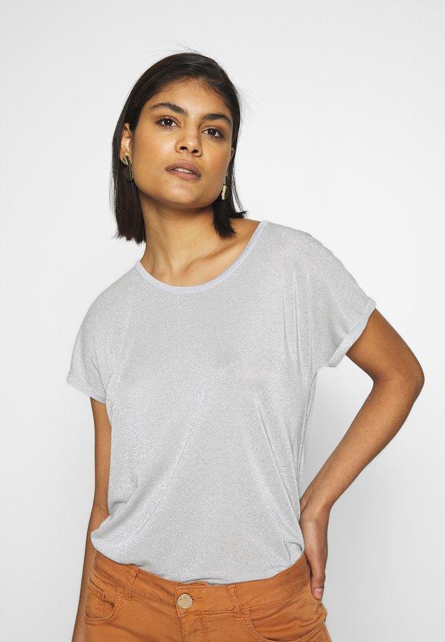 KAY TEE - T-shirt z nadrukiem - celestial blue