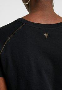 Mos Mosh - MAG TEE - Print T-shirt - black - 3