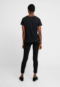 Mos Mosh - MAG TEE - Print T-shirt - black - 2