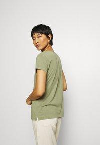 Mos Mosh - ARDEN V NECK TEE - Basic T-shirt - oil green - 3