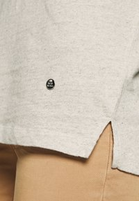Mos Mosh - MAYA V-NECK TEE - Basic T-shirt - safari - 5