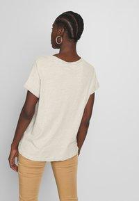 Mos Mosh - MAYA V-NECK TEE - Basic T-shirt - safari - 2