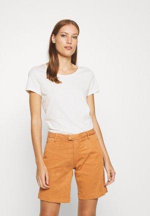 ARDEN O NECK TEE - Basic T-shirt - ecru