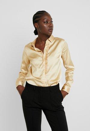 TILDA FRILL SATIN - Košile - beige