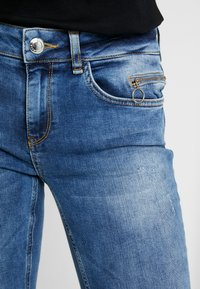 Mos Mosh - SUMNER VINTAGE ZIP - Jeansy Slim Fit - light blue denim - 3