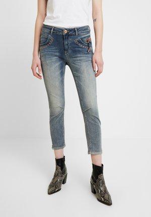 IDA TROKS - Jeansy Skinny Fit - blue