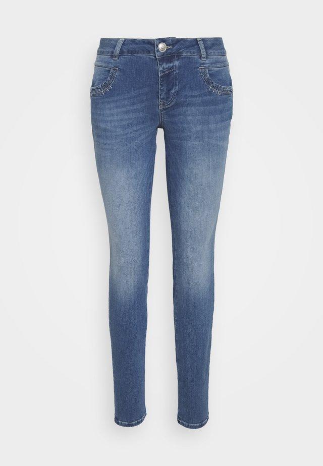 NOVEL - Jeans Slim Fit - blue