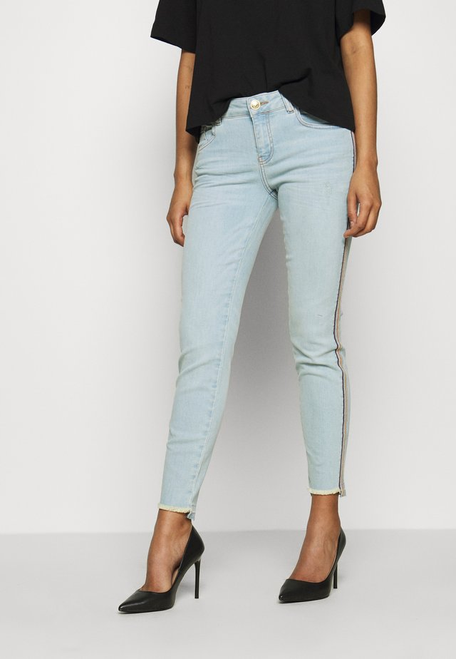 SUMNER FRAME - Slim fit jeans - light blue