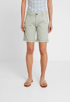PERRY - Shorts - sage green