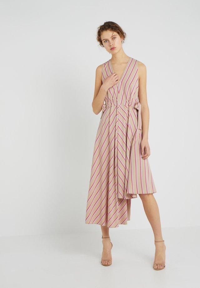 KAYE - Długa sukienka - pink
