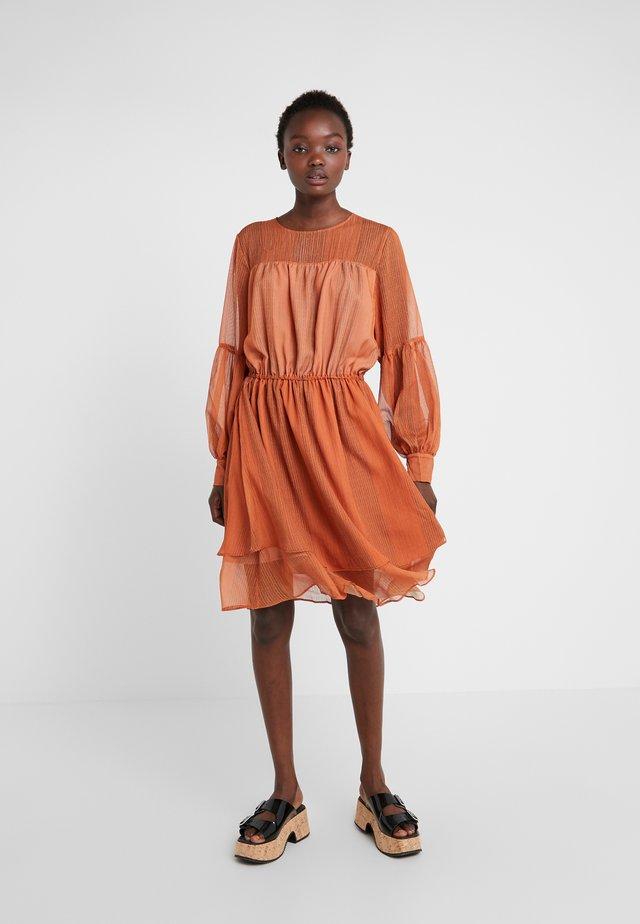 KARENA - Day dress - orange
