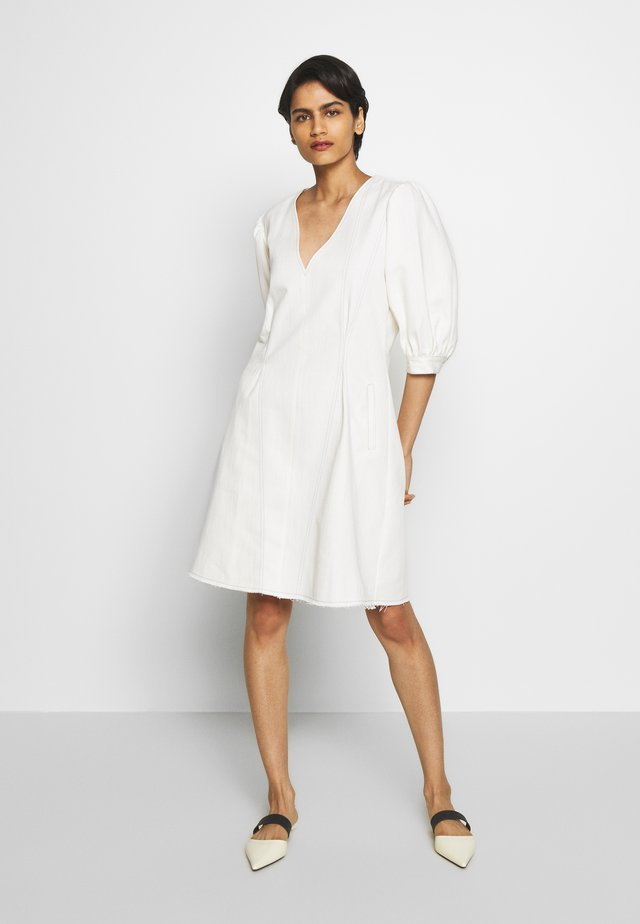 KENIA - Robe d'été - white denim