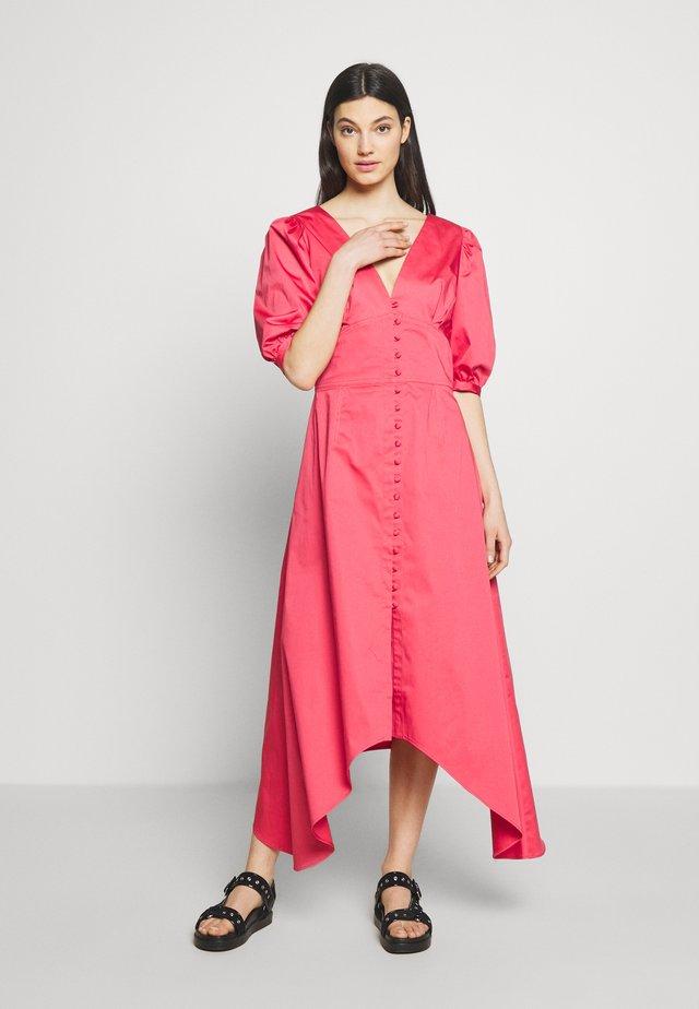 KAI - Długa sukienka - pink